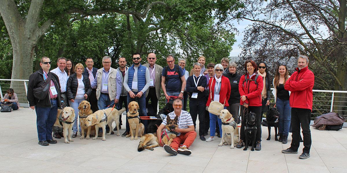 Equipe des chiens guides de Lyon prise lors du congrès 2019 à Angers